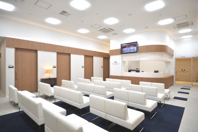 横浜で皮膚科やアレルギー科を受診するなら、日曜日に検査や治療が可能な【ららぽーと横浜クリニック】へ