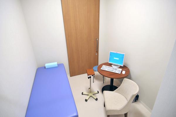 患者様を温かい雰囲気でもてなす 第三・四診察室